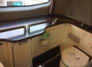 長距離の運行でも安心なトイレ
